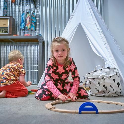 De voordelen van handgemaakte kinderkleding -