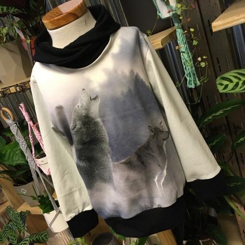 zwart witte wolven trui in maat 98 104